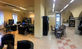 Obchodní prostor o ploše 107 m2 - přízemí